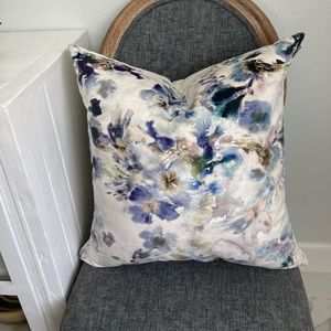 Callisto Home Throw accent pillow Stunning !